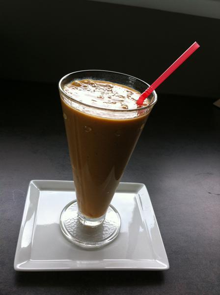 Smoothie banane abricot au lait de coco diététique
