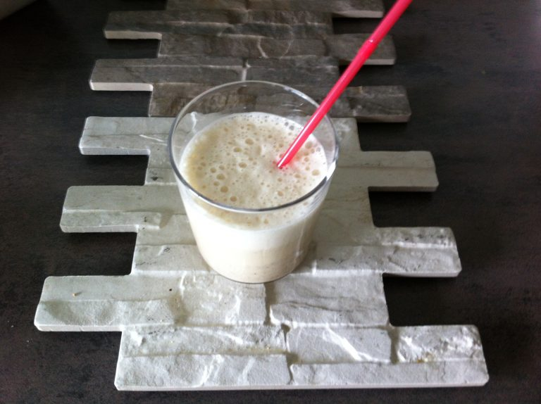 Petit déjeuner mixé soja vanille et céréales